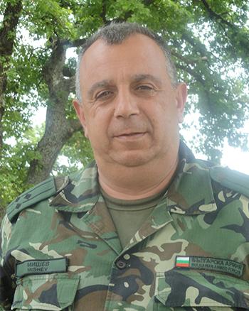 polkovnik LYCHEZAR MISHEV