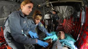 paramedici-v-samolet