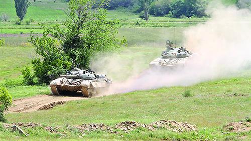 8- tankove