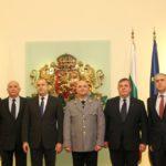 Президентът Румен Радев удостои с висше офицерско звание новия началник на ВМА проф. Мутафчийски