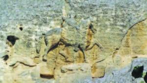Мадарският конник. Откъслечни данни за отношенията на Тервел с Юстиниан Ринотмет са оцелели в надписите около древния барелеф. Фото авторът