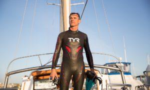 """Беноа Льоконт -Френски плувец в опит да """"покори"""" Тихия океан"""
