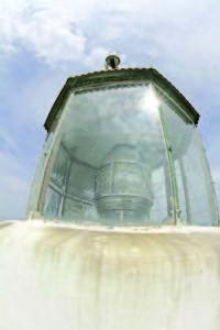 3Най-деликатната част на фара се намира най-високо, за да се вижда отдалече