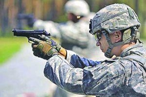 американски войник с beretta 92