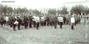 Строева подготовка и организация на доброволците след обявяването на Балканската война, София 1912 г.  Фото 'Изгубената България'