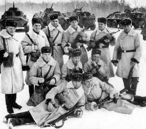 Руски войници дежурят на остров Даманский по време на конфликта