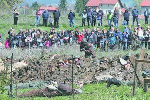 Българските воини героично отстояваха позициите си в ожесточената битка с врага Фото: Красимир Тодоров