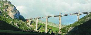 Китайският мост, който Поднебесната империя строи в Черна гора високо над хребетите на планинините