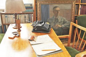 В кабинета на писателя - Фото Красимир Тодоров и архив на музеяВ кабинета на писателя - Фото Красимир Тодоров и архив на музея