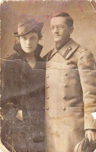 Веса Харизанова и Руси Генев. Дупница, 1918 г.