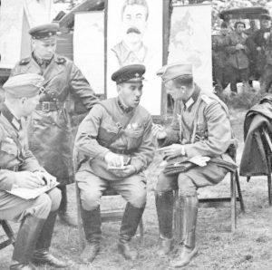 """Офицери от немската и съветската армия """"братя по оръжие"""", разгромили Полша"""