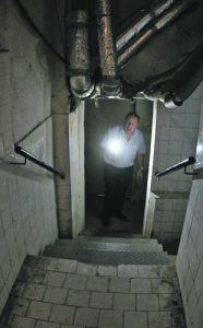 Подземията на 'Московска № 5' и днес плашат с мрачното си минало