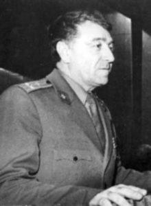 Полковник Георги Георгиев, някогашен началник на Военно издателство, събрал в книга спомените на творците