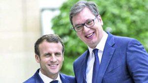 Александър Вучич без свян и дипломатически такт навира в лицата на Зоран Заев и на Еди Рама своите близки връзки с френския президент Еманюел Макрон според собствените му изявления