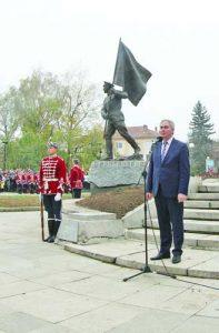 'В окопа всички са били българи и не са се делили по партиен, социален или етнически признак', каза кметът на Плевен