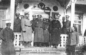 4-Главнокомандващият ген. Жеков и престолонаследника княз Борис на посещение на Серетския фронт, март 1917 г.
