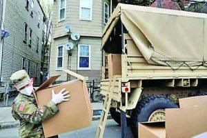 Правител-ството мобилизира и инженерни части на Националната гвардия, за да раздават храна на населението в кризата с коронавируса