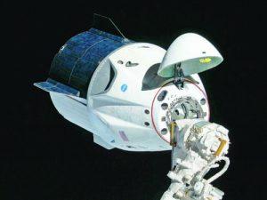 Март 2019 г. Първото автоматично скачване на ''Кру Драгън'' с МКС при безпилотния пробен полет ''Демо-1''