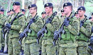 Сръбският президент Вучич се опасява, че тези бойци от армията на Косово скоро може да получат от Германия оръдия и противо-пехотни ракетни системи