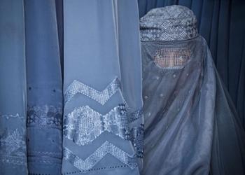 Започна се: Талибаните застреляха жена, отказала да си сложи бурка
