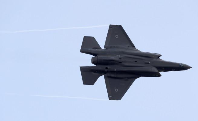 Израел удари военно летище в Сирия