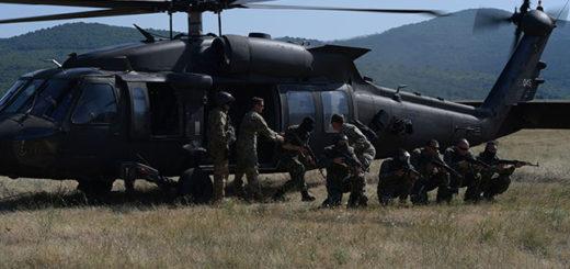 12-13-voenni-helikopter