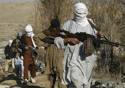 Талибаните призоваха преводачите на международните сили да останат в Афганистан