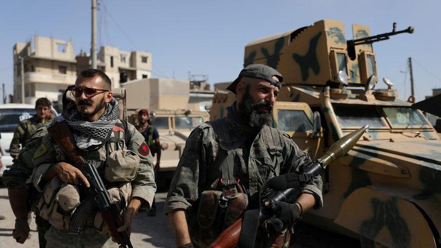 Сирийската армия навлезе в бунтовническите квартали на град Дараа и обстреля клиника в провинция Идлиб