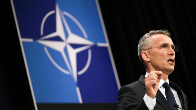 НАТО е готов да отговори съвместно на атаки в Космоса, заяви Столтенберг