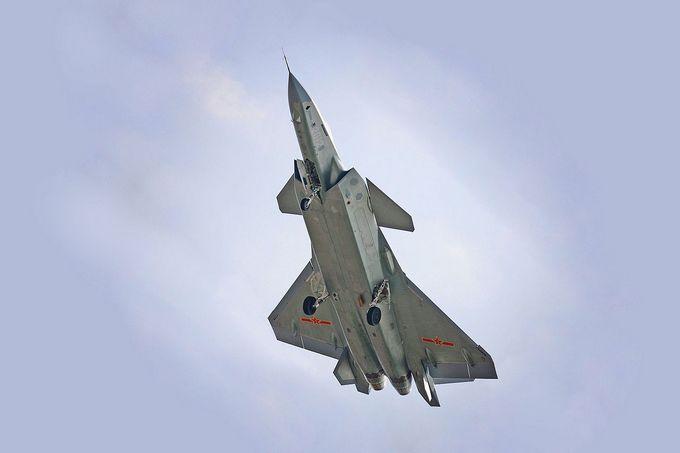 Китай е изпратил рекорден брой военни самолети във въздушното пространство на Тайван