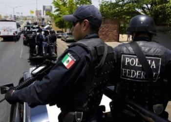13 души са загинали, а 70 са ранени при рухването на надлез в Мексико, в момент в който по него е минавало метрото