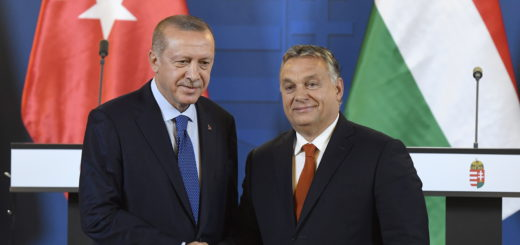 Turkish President Recep Tayyip Erdogan (L) and Hungarian Prime Minister Viktor Orban shake hands during the joint press conference following their meeting in the Parliament building in Budapest, Hungary, 08 October 2018. Erdogan is paying a two-day official visit to Hungary.  EPA/SZILARD KOSZTICSAK HUNGARY OUT