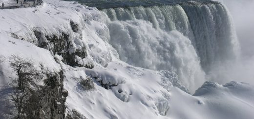 epa06413887 A handout photo made available on 02 January 2018 by Destination Niagara USA shows ice formations on frozen Niagara Falls in Niagara Falls, New York, USA, 02 January 2018. Much of the United States is blanketed by a sub freezing Artic storm that extends from the Canadian border to the Gulf Coast. The National Weather Service has issued a winter storm warning for northern Florida spreading into Georgia and South Carolina for the next few days.  EPA/DESTINATION NIAGARA USA / HANDOUT HANDOUT  HANDOUT EDITORIAL USE ONLY/NO SALES