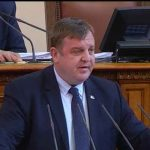 """Красимир Каракачанов: Кампанията """"Бъди войник"""" дава добър резултат"""