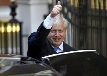 Британският премиер се ожени на тайна церемония, съобщават местни вестници