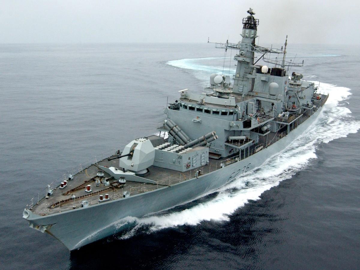 Великобритания изпраща два военни кораба в Черно море