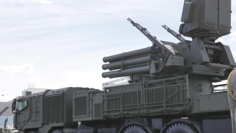 """Руските комплекси """"Панцир"""" застъпиха на бойно дежурство в системата за ПВО на Белград в рамките на учения"""