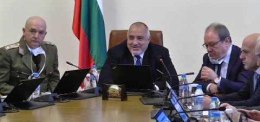 Борисов: Заради коронавируса сривът на горивата е 15%  – журналистите с маски в Министерски съвет