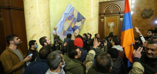 armenia_parlament_protesti