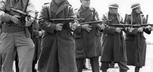 австралийски генерал Хари Човел на пракически стрелби