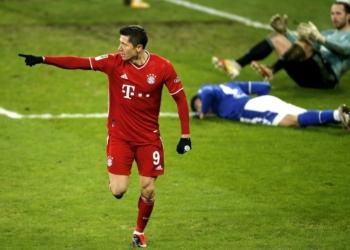 Байерн Мюнхен е на победа от рекордна девета поредна титлата, Шалке изпадна от елита