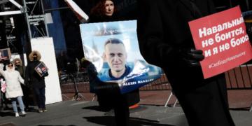 """Нови арести заради Алексей Навални. ,,Амнести Интернешънъл"""": Условията в затвора може да го убият"""