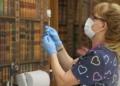 """Ваксинационните центрове във ВМА, """"Пирогов"""", """"Св.Анна"""" и Александровска болница няма да връщат желаещи да се ваксинират срещу COVID-19"""