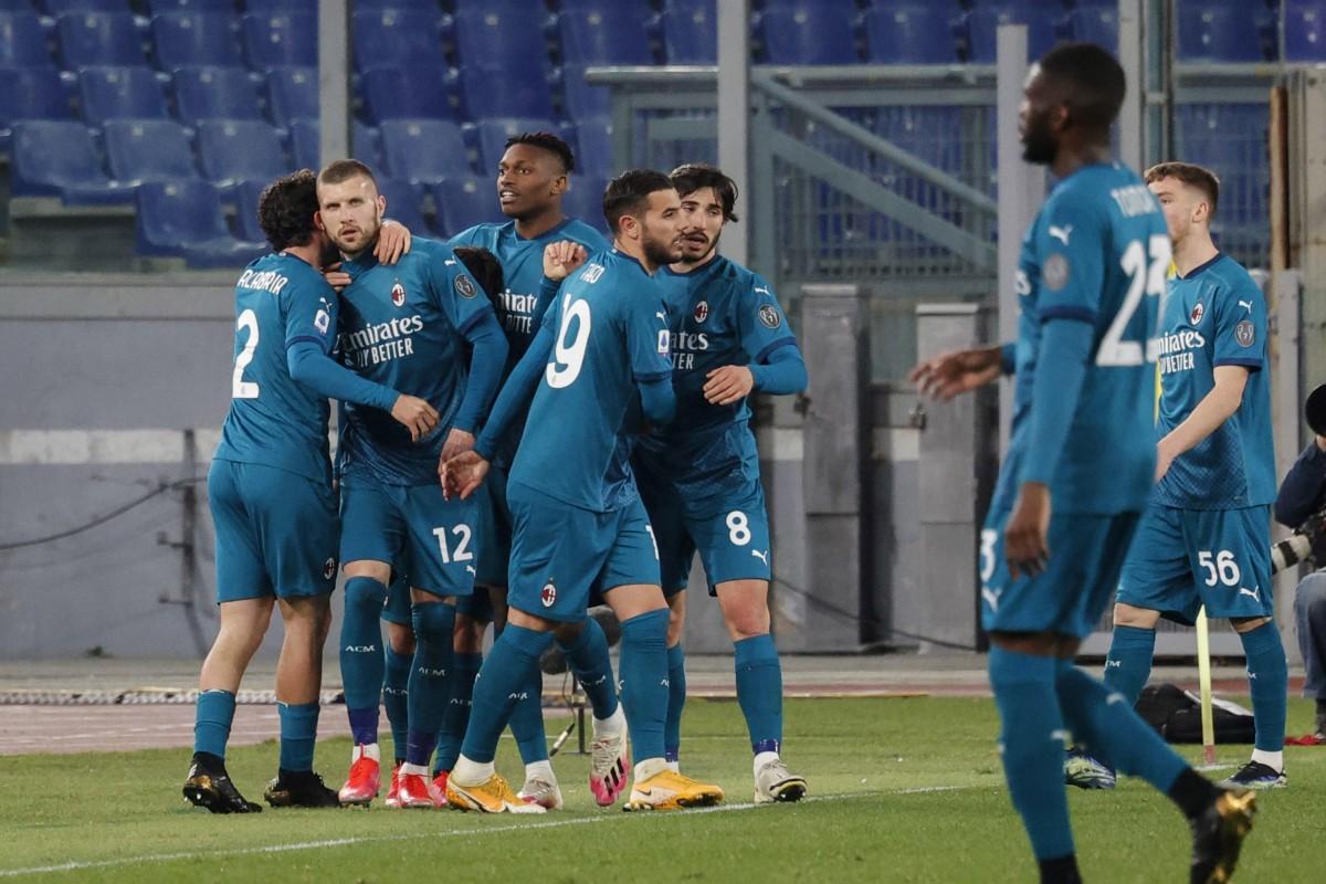 Милан застигна Интер на върха в Серия А