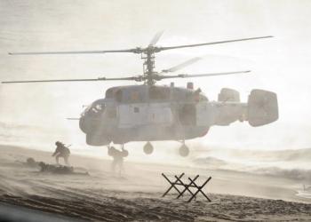 Русия започва да изтегля войските от границата с Украйна