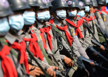 Етническа армия нападна миньорски град в Мианма