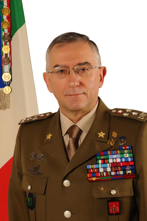 Началникът на отбраната адмирал Емил Ефтимов посреща в България председателя на Военния комитет на Европейския съюз генерал Клаудио Грациано