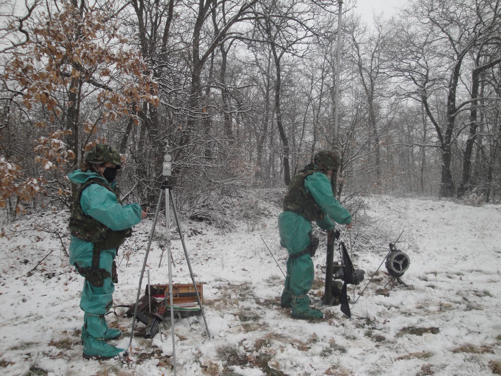 """Оценка """"Боеготов"""" получи взвод за ядрено, химическо и биологическо разузнаване от състава на 38-ми батальон за ЯХБЗ и Е"""