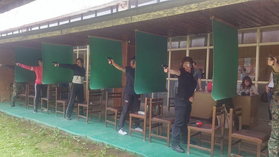 """НВУ """"Васил Левски"""" е домакин на Държавния военен шампионат по стрелба с пистолет"""