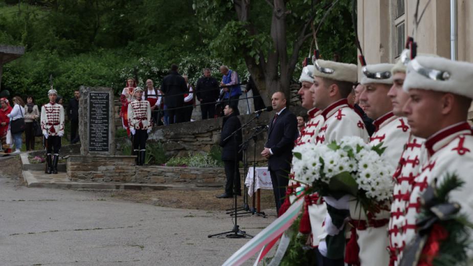 Румен Радев: Започва да се връща държавността в България